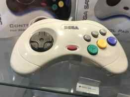 Saturn Controller. (Foto: Retro-Bit)