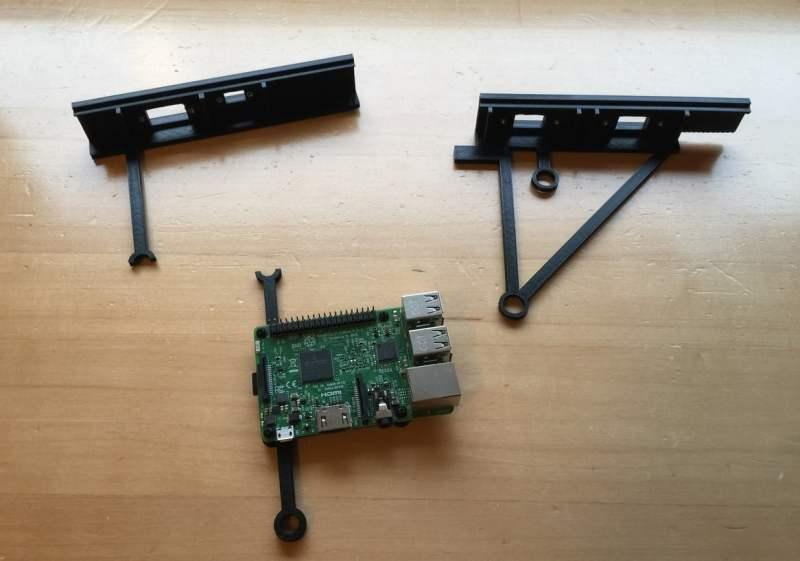 Raspberry Pi und Teile aus dem 3D-Drucker. (Foto: Amigalove)