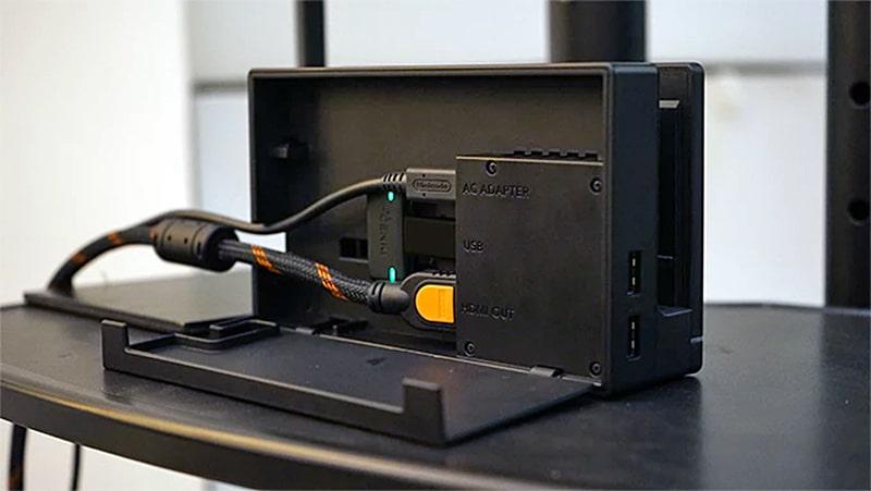 Mit dem Dock klappt es über einen zusätzlichen Adapter. (Foto: Human Things)