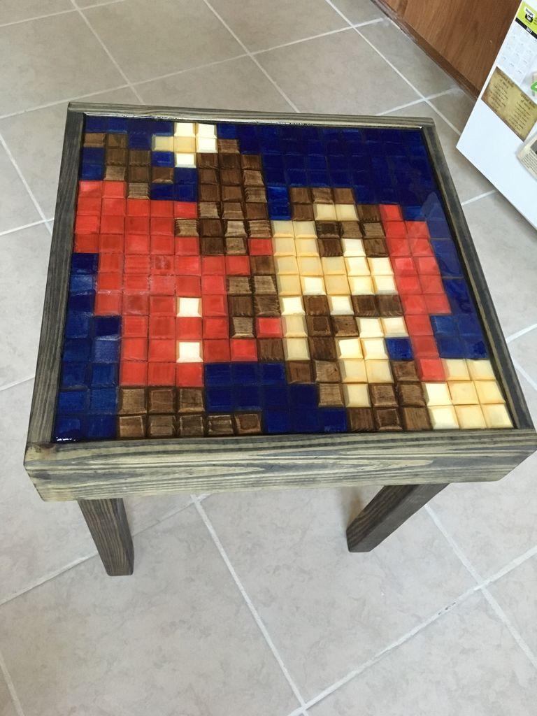 Das ist der 8Bit Mario Tisch. (Foto: American Graphitti)