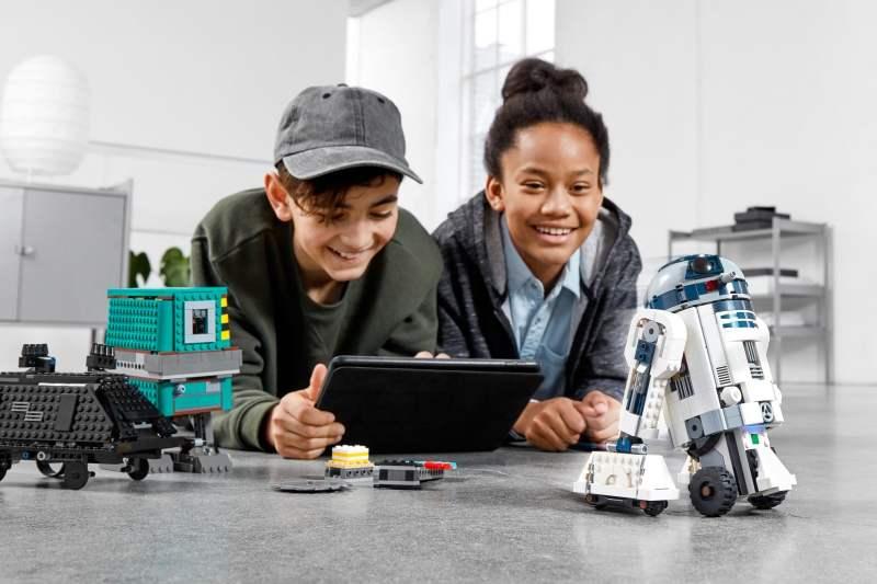 Erst Bauen, dann Programmieren. (Foto: LEGO)