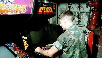 Defender classic arcade game
