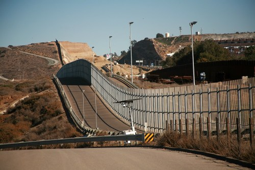 3 Current Myths About Mexican Immigration, Debunked - Carlos Gamino