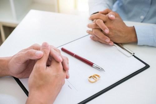 3 Negotiation Tips You Can Use During Divorce - Carlos Gamino