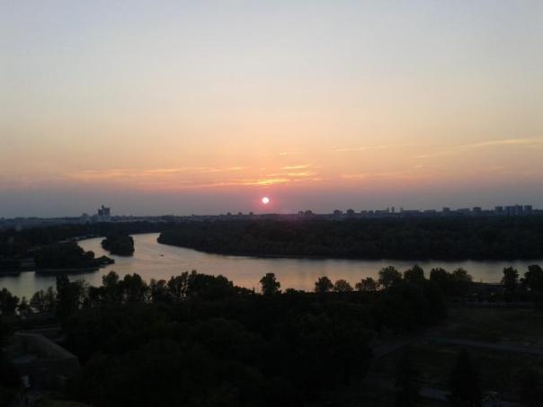 Maravilloso atardecer , en el Danubio .