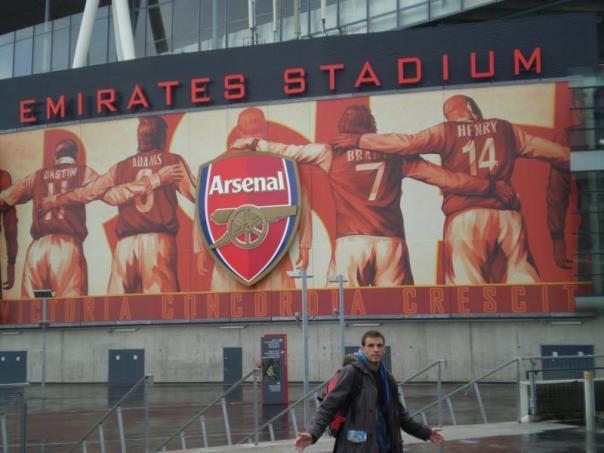 Fly Emirates Stadium .