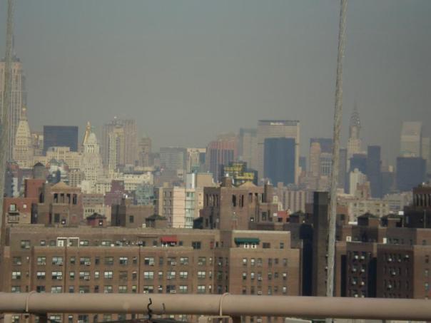 Vistas desde el Puente de Brooklyn .