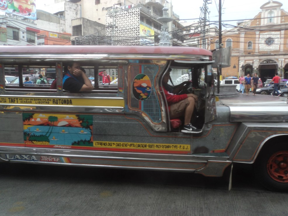 things to know before traveling to the philippines,  best places to visit in the philippines, tourist spots in the philippines, places to visit in the philippines for couples, jeepney in the philippines