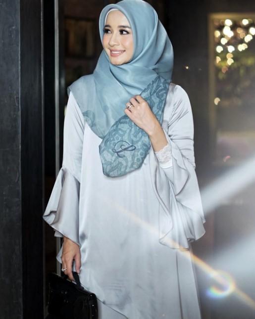 25 Model Koleksi Baju Muslim Laudya Cynthia Bella