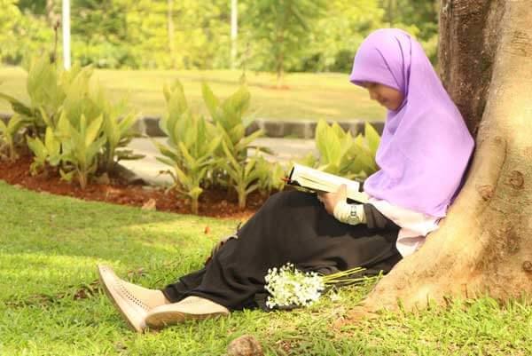 batasan aurat wanita muslimah bagi mahramnya