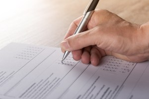 Como ganar dinero llenando encuestas online