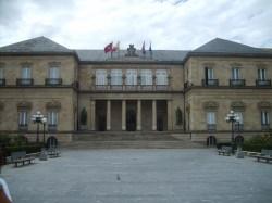 Edificio_de_la_Diputacion_Foral_de_Alava