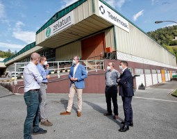 Visita de Markel Olano a la empresa Zelatun