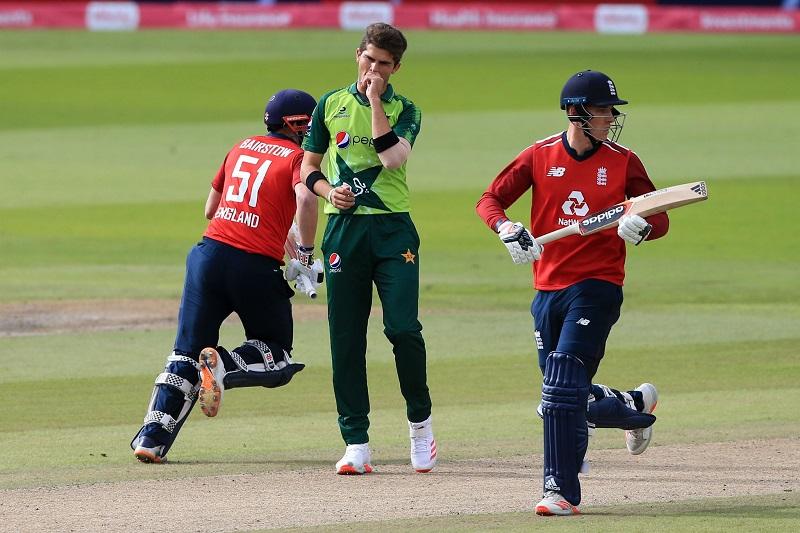 पाकिस्तानसँगकाे दाेस्राे टी-२० खेलमा इङ्ग्ल्याण्ड ५ विकेटले विजयी