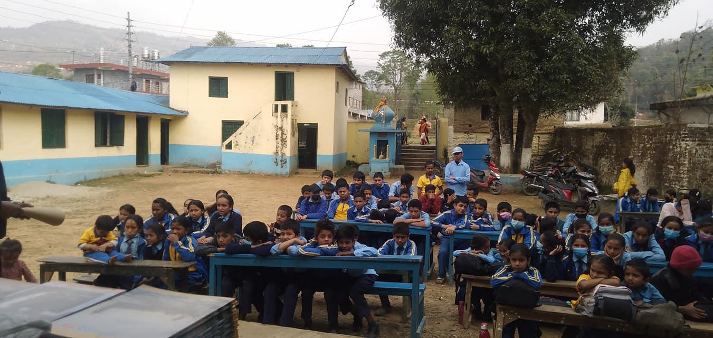 पर्वतका २८८ सामुदायिक विद्यालयमा दिवा खाजा कार्यक्रम शुरु
