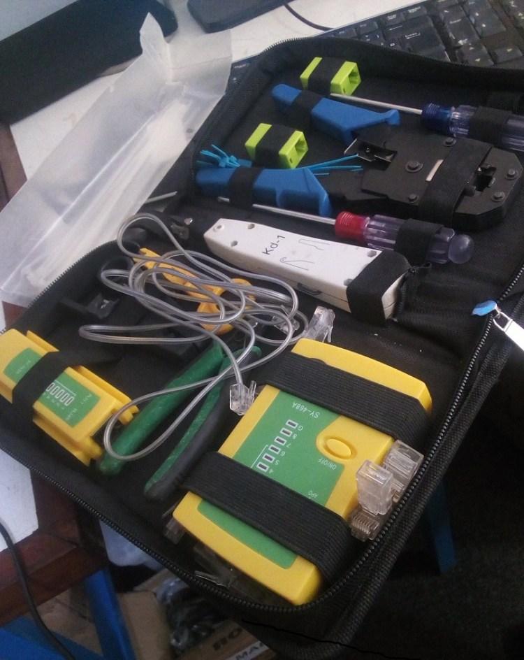 matériels câblages réseaux informatiques