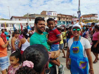 DSC08722 Gandu: Prefeito Léo foi recebido com alegria durante as comemorações ao Dia da Criança