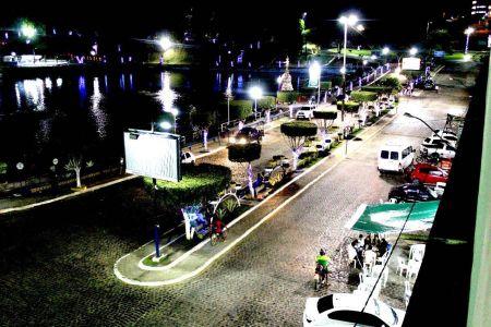 IMG-20171213-WA0028 Gandu: Prefeitura realiza ornamentação de natal no Lago Azul, cartão postal da cidade.