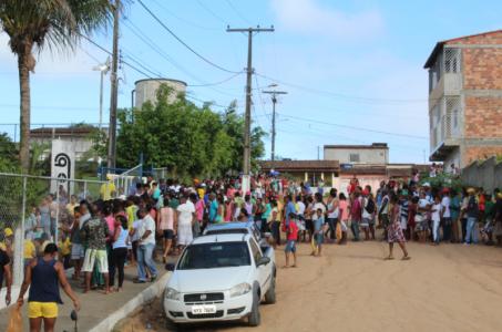Peixe_01 Prefeito de Gandu resgata tradição e distribui 7 toneladas de peixes na semana santa