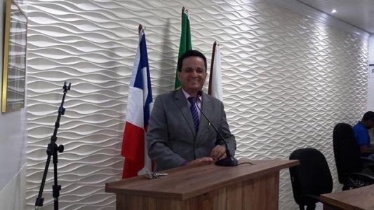 Uziel_Barreto_-_Presidente_da_C_mara Gandu: Prefeitura realiza ornamentação de natal no Lago Azul, cartão postal da cidade.