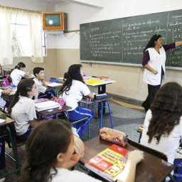 Estados e municípios já podem usar salário-educação de novembro