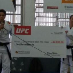 Amanda Nunes leva doação do UFC de R$ 62 mil ao Instituto Reação