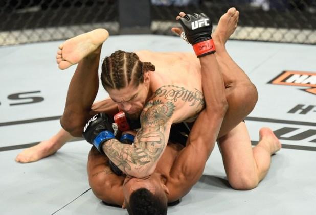 Iuri-Maraj%C3%B3-vira-luta-quase-perdida-e-finaliza-Luke-Sanders-no-UFC-2091 Iuri Marajó vira luta quase perdida e finaliza Luke Sanders no UFC 209