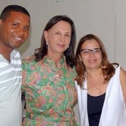 Ipiaú: Prefeita exonera secretária de educação e nomeia substituto