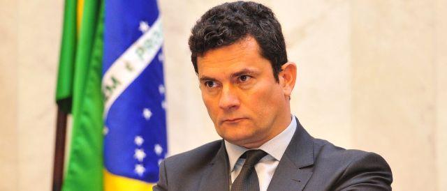 Deputados da oposição querem convocar Moro para explicar mensagens