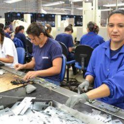 Brasil criou 34,2 mil vagas com carteira em maio