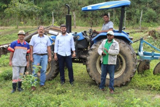 Gandu: Secretaria de agricultura realiza serviço de aragem para pequenos agricultores