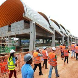 Governo avança com obras do metrô, infraestrutura, moradia e saúde