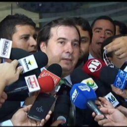 Denúncia contra Temer e ministros deve ser analisada em votação única, diz Maia