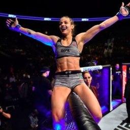 Beldade brasileira estreia no UFC vencendo a americana Pearl González.