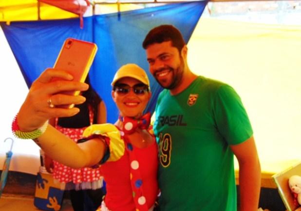 DSC08754 Gandu: Prefeito Léo foi recebido com alegria durante as comemorações ao Dia da Criança