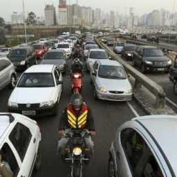 Volta do feriado deve ter estradas cheias no período da tarde