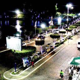Gandu: Prefeitura realiza ornamentação de natal no Lago Azul, cartão postal da cidade.