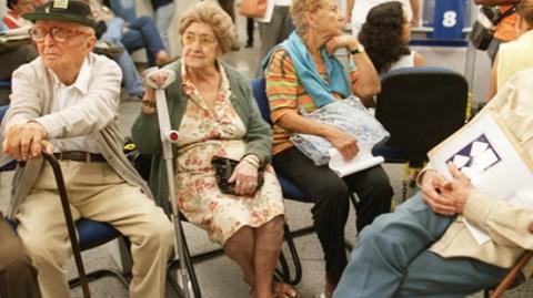 Aposentados e pensionistas têm direito à revisão de benefícios