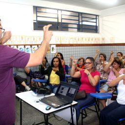 Educadores iniciam curso sobre Uso Pedagógico de Tecnologias Educacionais