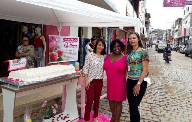 Gandu: Loja VAL MAGAZINE faz ação em homenagem ao Dia da Mulher