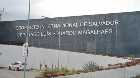 Aeroporto de Salvador diz que tem combustível para operar até domingo