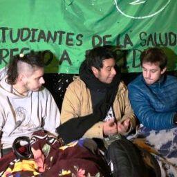 Argentinos fazem vigília para acompanhar votação da Lei do Aborto