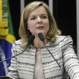 Gleisi defende presença de Haddad em debates no lugar de Lula