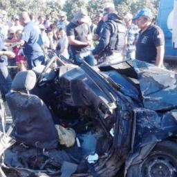 Seis pessoas morrem em acidente entre três veículos na BR-116