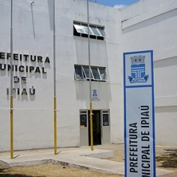 Ipiaú: Prefeitura aciona justiça para cobrar empresa terceirizada que mantém salários atrasados