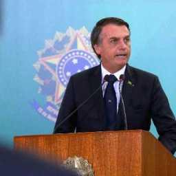 Bolsonaro sanciona lei que cassa CNH de condenados por 5 tipos de crime