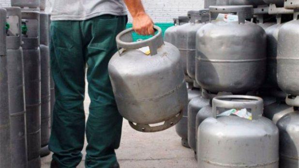 Petrobras-reduz-pre%C3%A7o-do-g%C3%A1s-de-cozinha-para-com%C3%A9rcio-e-ind%C3%BAstria-em-34 Governo quer liberar venda fracionada de gás de cozinha