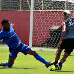 Time principal do Vitória empata sem gols contra Olimpia em jogo treino