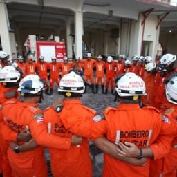 Bombeiros que atuaram em Brumadinho chegam a Salvador