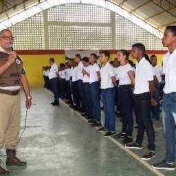 Teve início as aulas no Colégio Militar em Nova Ibiá